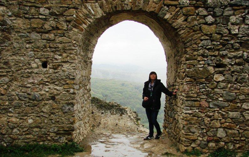 Widok z okna zamku w Brekovie