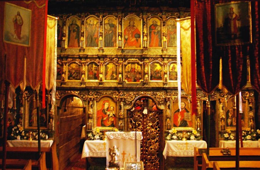 Ikonostas w cerkwi we wsi Bodrużal