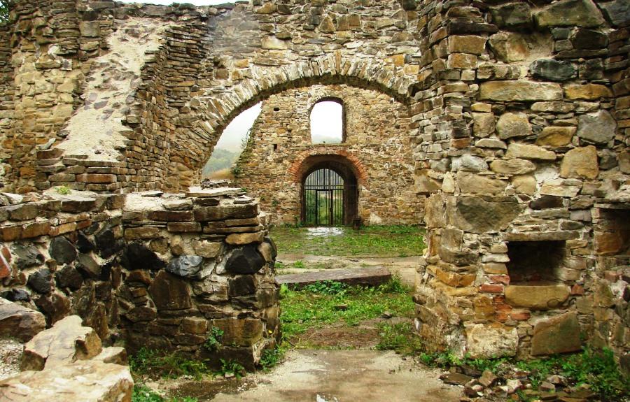 ruiny monasteru2
