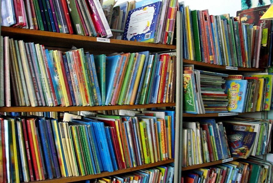 Biblioteka Publiczna w Połomi