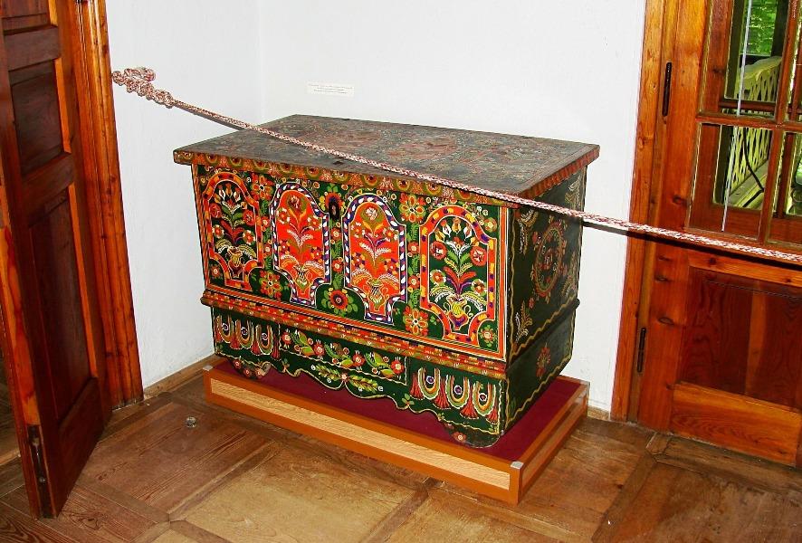 Malowane kufry