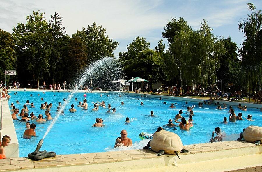 Największy i najgłębszy basen w Berekfurdo